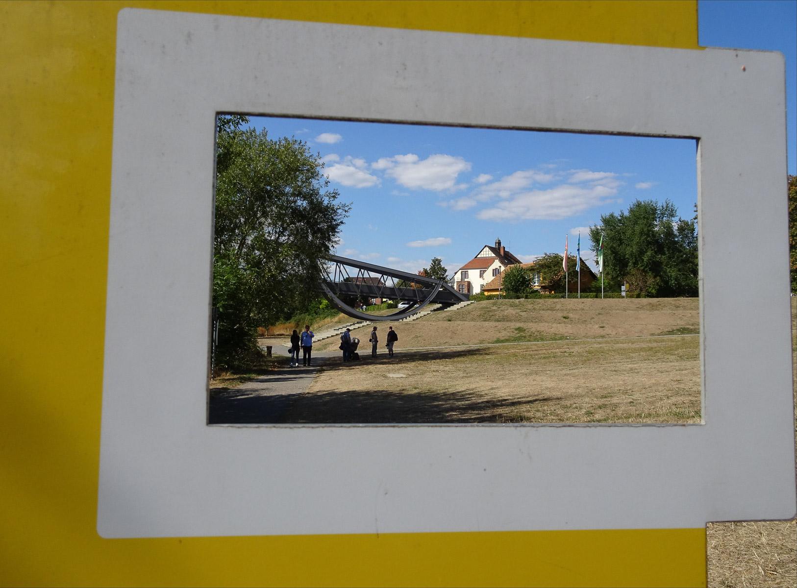 Durchblick (Foto: Ingrid Stollenmayer)