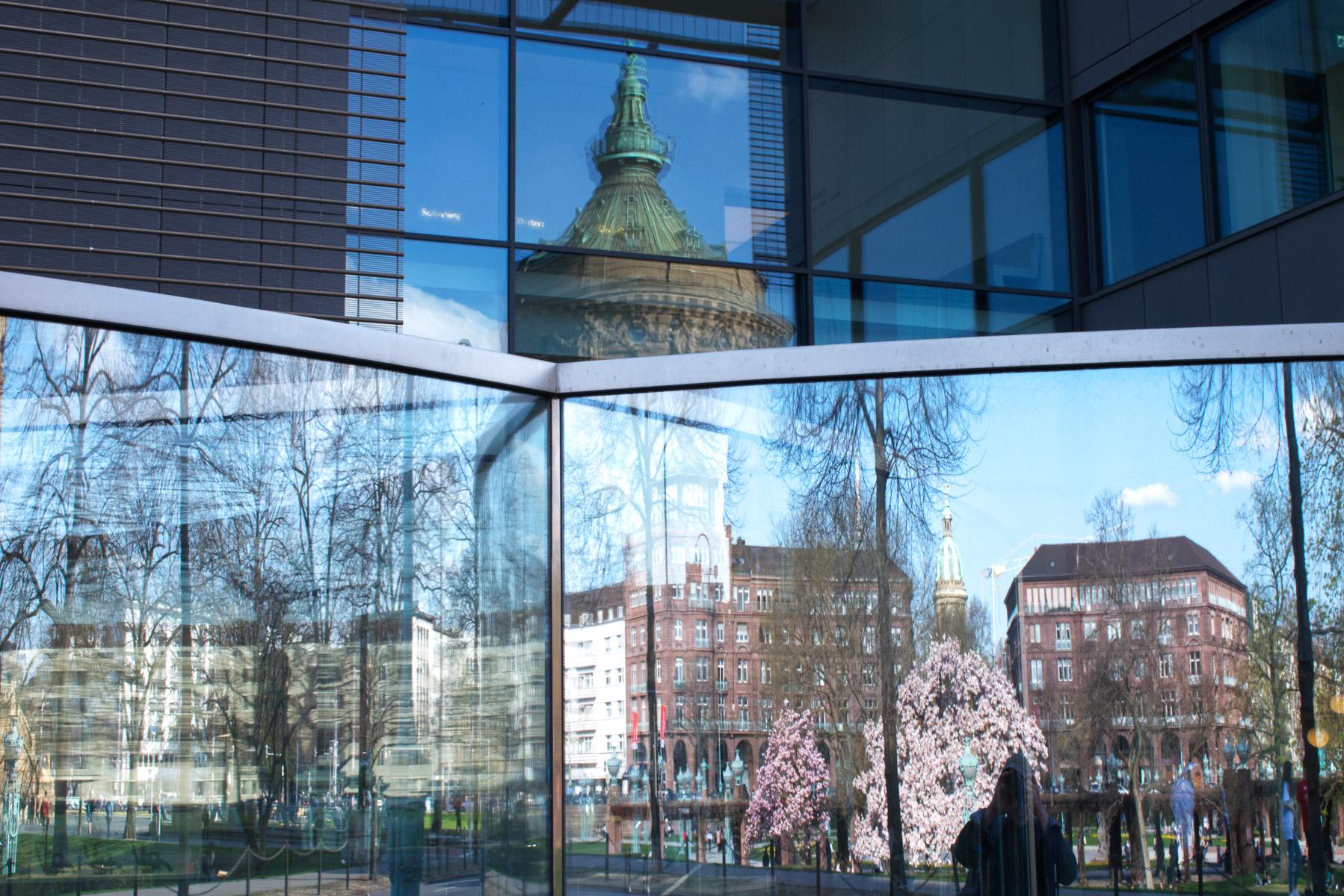 Mannheim gespiegelt (Foto: Peter Stollenmayer)