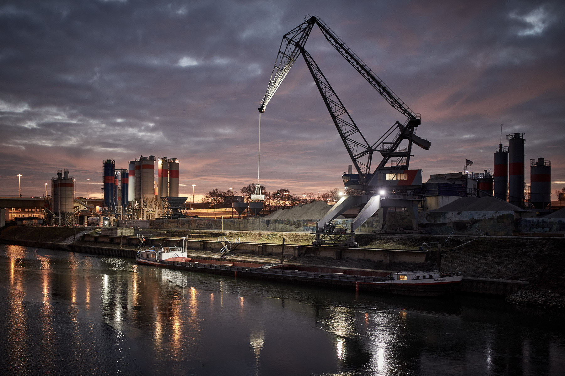Industriehafen (Foto: Jürgen Korb)